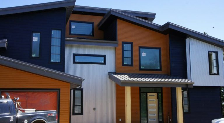 LUX siding and soffit installed by 8 Diamonds Siding